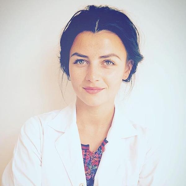 Dr. Mădălina Băcilă